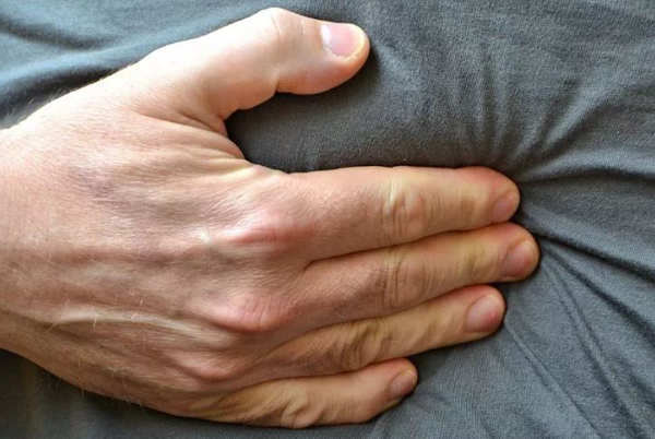 4 dấu hiệu sau khi ăn cảnh báo ung thư dạ dày sớm