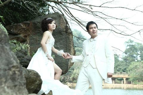 'Hoàng tử Sao Mai' : Tôi có hôn ai cũng không sợ vợ ghen