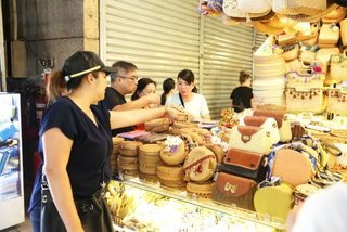 Market, shopping center in HCM City under investigation for fake products