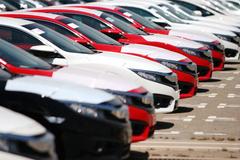 Được giảm phí trước bạ, lo ô tô hết khuyến mại, tăng giá