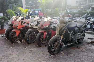 Xót xa siêu mô tô bị vứt xó hoang phế ở đồn cảnh sát