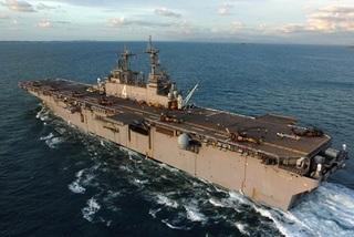 Tàu chiến Mỹ phá hủy máy bay không người lái Iran