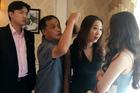 Hình ảnh bị cắt khỏi cảnh phim Linh chửi Nhã sấp mặt trong 'Về nhà đi con'