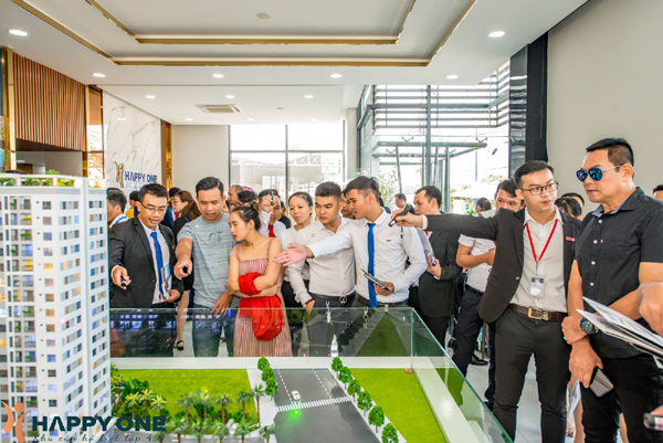 800 khách hàng ấn tượng với căn hộ mẫu của Happy One