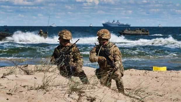 tập trận,biệt kích,giải phóng,Anh