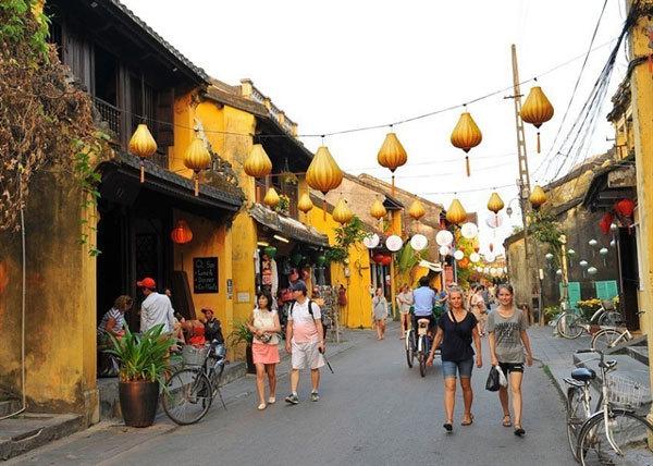 Vietnam's tourism target looks tough to hit