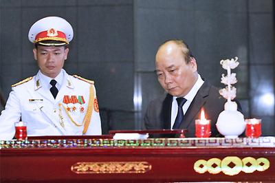 Xúc động tiễn đưa GS Hoàng Tụy về nơi an nghỉ cuối cùng