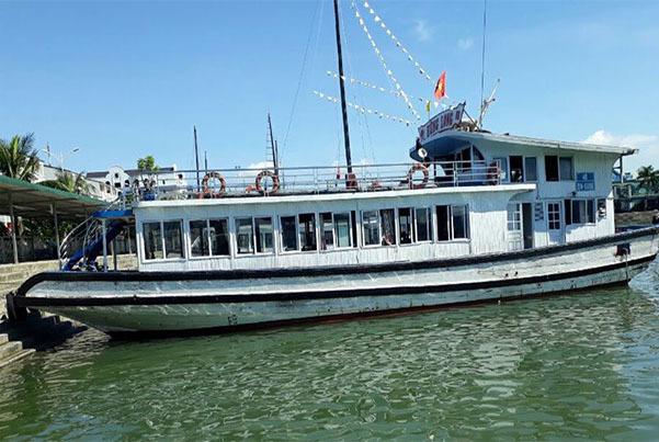 Ha Long boat operator says sorry for bathroom camera scandal