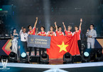 Vietnamese team lifts trophy at world video game tournament