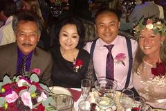 Con trai danh ca Hương Lan cưới vợ Tây ở tuổi 42