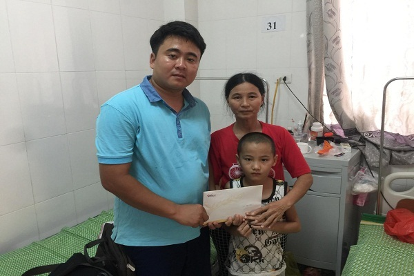 Hoàn cảnh khó khăn,Viêm não Nhật Bản,trao tiền từ thiện