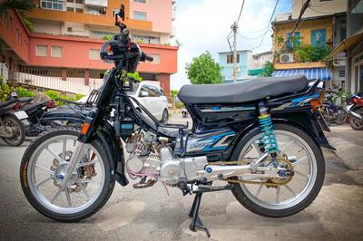 Dân chơi Sài Gòn lên đồ chơi 200 triệu đồng cho Honda Dream