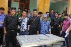 Bắt 4 đối tượng, thu giữ 100 bánh heroin ở Hòa Bình