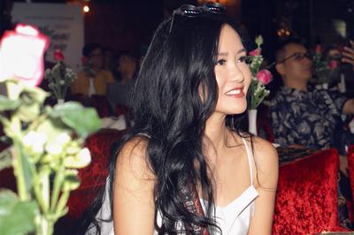 Diva Hồng Nhung ngượng chín người vì lộ chứng đãng trí trước mặt đàn em