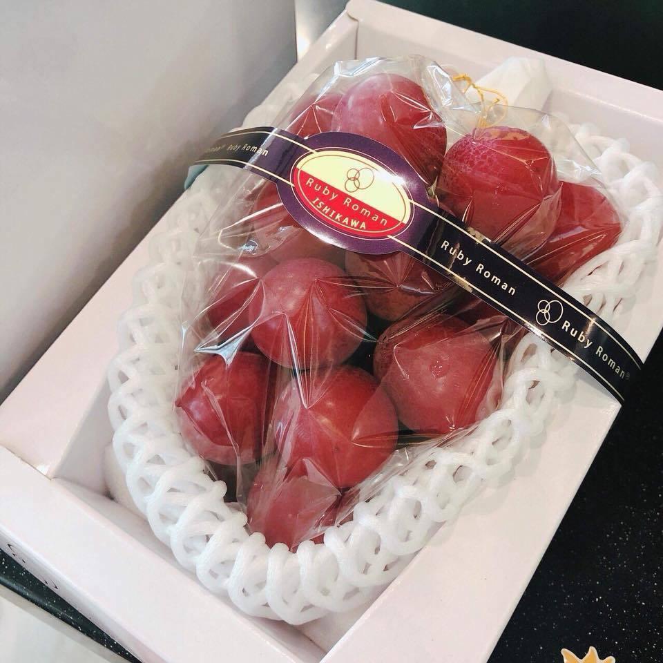 hoa quả Nhật Bản,Nho Nhật,Đặc Sản Nhà Giàu,Hàng Giả,Hàng Nhái,Hoa quả Trung Quốc,Hàng Trung Quốc,Kem Trung Quốc,chặt chém,nhụy hoa nghệ tây