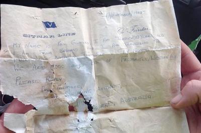 Lá thư được tìm thấy sau 50 năm lênh đênh trên biển
