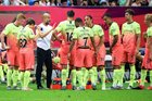 Man City mất cúp vào tay Wolves sau loạt penalty cân não