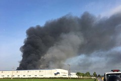 Cháy lớn tại công ty may mặc Makalot ở Hải Dương