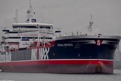Iran công bố video kịch tính bắt tàu chở dầu Anh