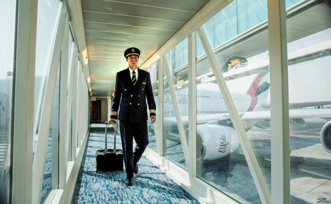 Soi lương 'khủng' của các phi công trên thế giới