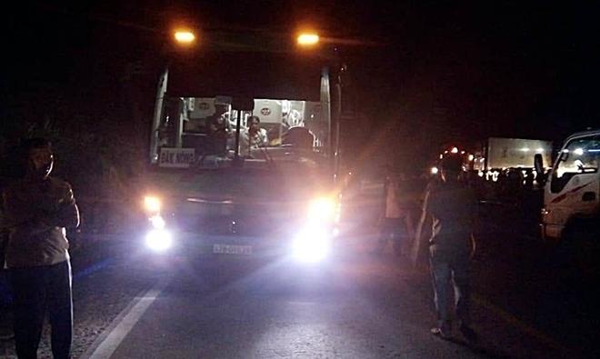 Va chạm xe giường nằm ở Quảng Nam, 2 nữ sinh đi xe máy chết thảm