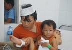 Xe khách đối đầu xe tải ở Đà Nẵng, mẹ ôm choàng con vào lòng che kính vỡ
