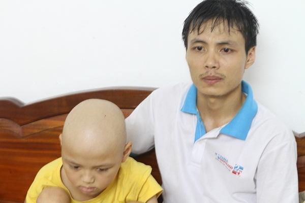 Thương bé 9 tuổi, 7 năm chiến đấu với ung thư máu
