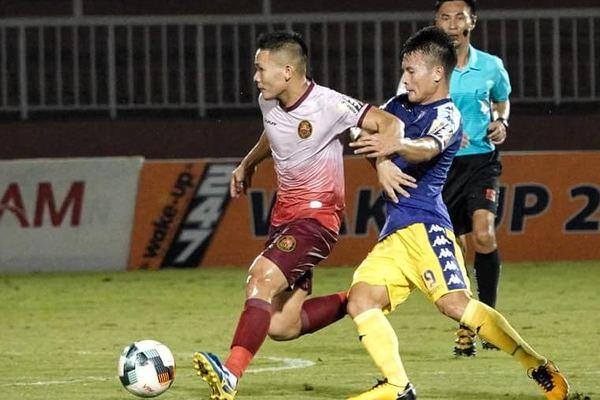 Quang Hải ghi bàn, Hà Nội thắng to để áp sát TPHCM