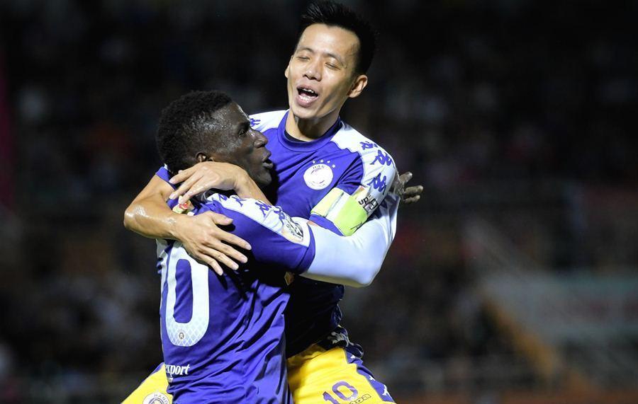 Vòng 17 V-League: Hà Nội giải hạn, HAGL có 'phao' cứu sinh
