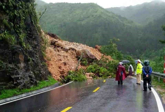Vietnam loses $860 million to natural disasters last year