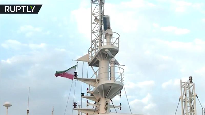 Iran treo quốc kỳ lên tàu dầu Anh bị bắt, London gửi thư lên LHQ