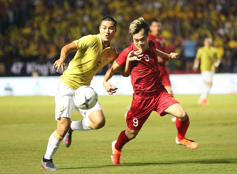 Tuyển Việt Nam gồng mình đấu Thái Lan, SEA Games 'to' hơn World Cup