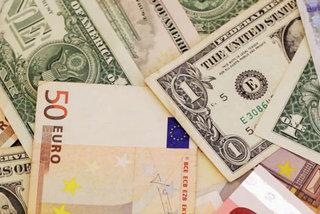 Tỷ giá ngoại tệ ngày 26/7, USD treo cao bất chấp trì hoãn từ EU