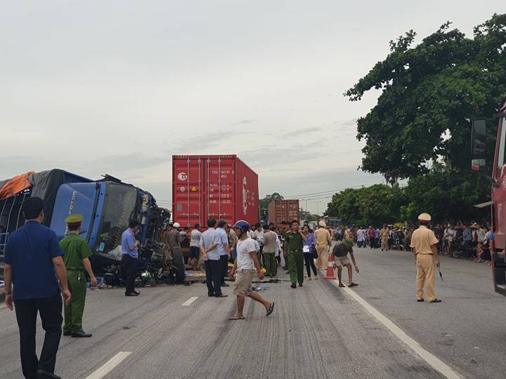 Hiện trường vụ tai nạn 5 người bị xe tải đè chết ở Hải Dương