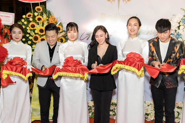 trung tâm nha khoa,nha khoa thẩm mỹ,hoa hậu áo dài,Thu Hoàng