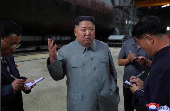 Kim Jong Un,tàu ngầm,thị sát,Triều Tiên,vũ khí Triều Tiên
