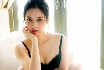 Đệ nhất mỹ nhân Nhật bị đồn ly hôn chồng vì bất đồng chăn gối