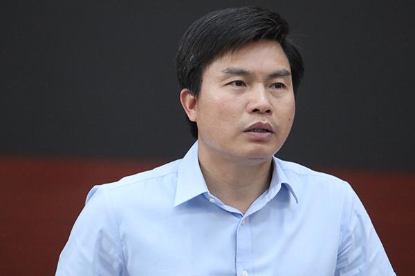 Phó GĐ Sở 'né' nhiều câu hỏi về thu hồi sổ đỏ chung cư của ông Thanh Thản