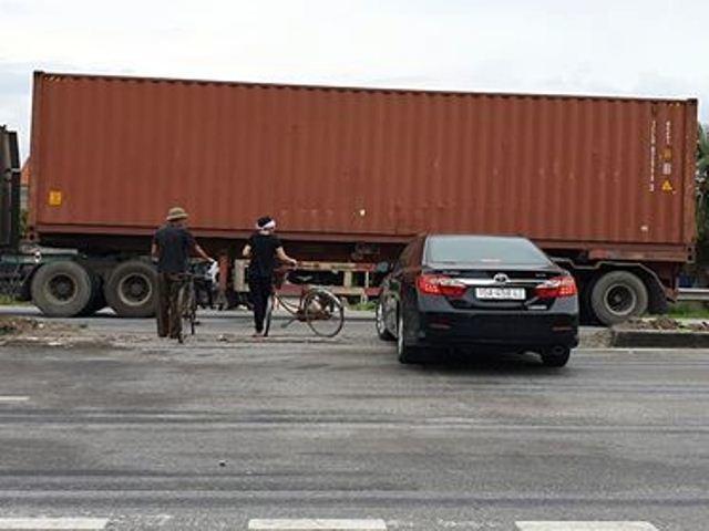 Lời khai của tài xế lái xe tải lật đè chết 5 người ở Hải Dương