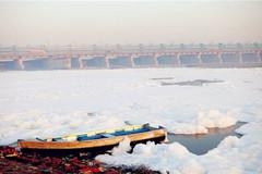 2 con sông có 2 màu trái ngược nhau nhưng cùng chung 1 số phận ở Ấn Độ