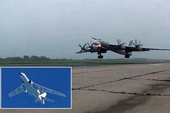 Nga tung video máy bay ném bom 'hẹn' chiến cơ Trung Quốc