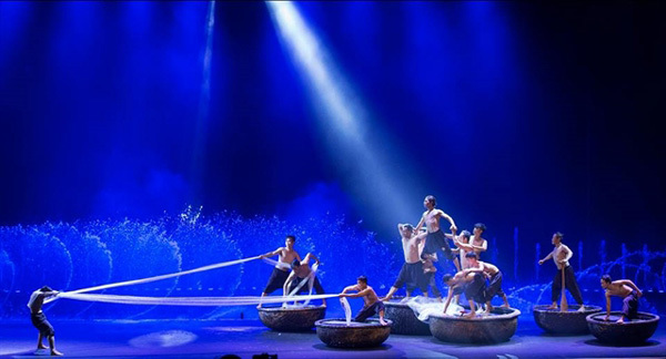 Water show features traditional culture of Binh Thuan