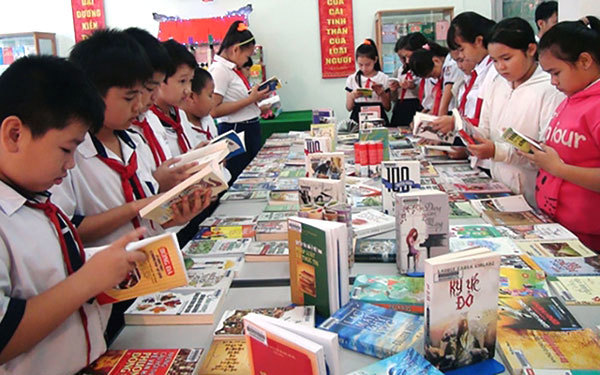 Children's book industry needs more attention