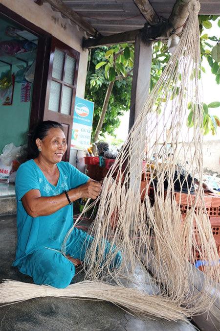 Phu Quy's handmade hammocks come back in style