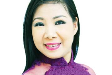 Hanoi's celebrated cai luong singer