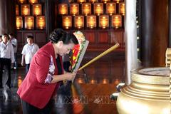 Chủ tịch QH tưởng niệm các Anh hùng Liệt sỹ tại TP Hồ Chí Minh