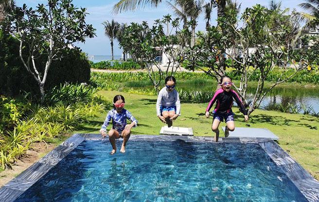 Hồng Nhung U50 khoe thân hình săn chắc khó tin với bikini