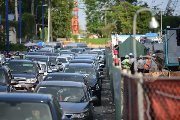 HCM City's 34 toll booths to reduce peak-hour congestion
