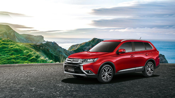 Mitsubishi Outlander ưu đãi lớn trong tháng 7