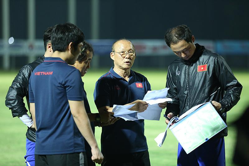 Tân binh U22 Việt Nam 'cóng' vì thầy Park khó tính trong công việc